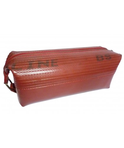 Medium Wash bag made from recycled fire-hose - Elvis & Kresse